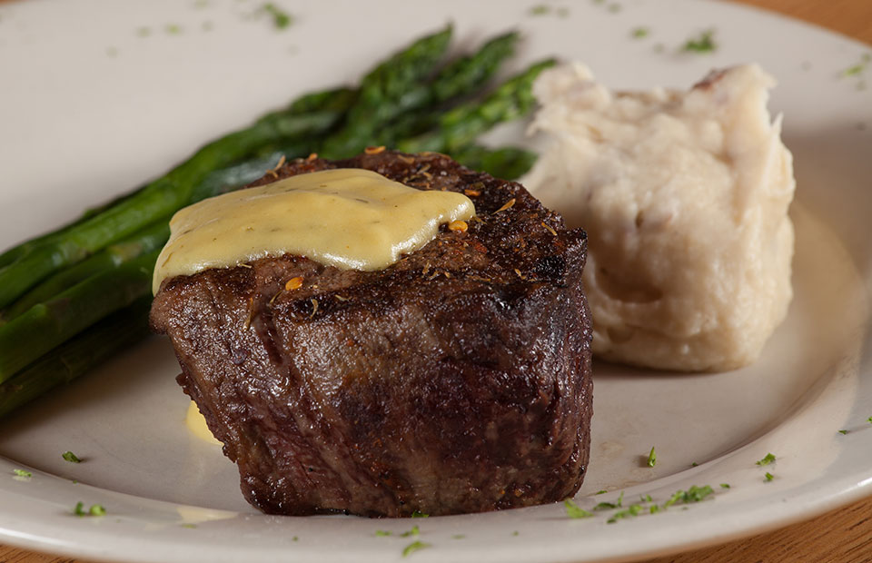 Hand-Cut Filet with Béarnaise Sauce